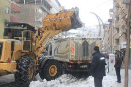 Hakkari'de 59 yerleşim yerinin yolu ulaşıma kapandı