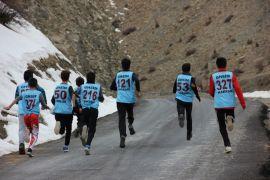 Hakkari'de atletizm yarışması