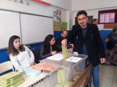 Hakkari'de oy kullanımı
