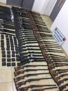 Sınır hattında av tüfekleri ve malzemeleri ele geçirildi