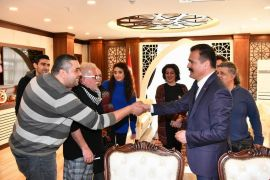 Tiyatro oyuncularından Vali Akbıyık'a ziyaret
