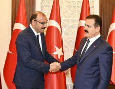 Başkan Dündar'dan Vali Akbıyık'a ziyaret