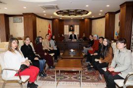 Halk Eğitim Merkezi Müdürlüğü personelinden Vali Akbıyık'a ziyaret