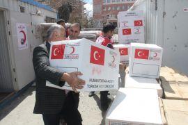 Kızılay'dan afetzedelere yardım malzemesi