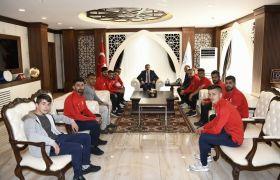 Sportif Faaliyetler Kulübünden Vali Akbıyık'a ziyaret