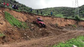 Bakanı Soylu, off road aracı kullandı