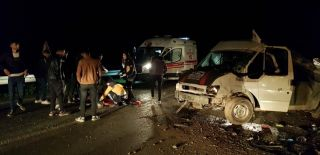 Hakkari'de trafik kazası:2 yaralı