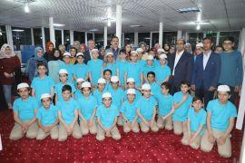 Vali Akbıyık, Kur'an kursu öğrencileriyle iftarda bir araya geldi
