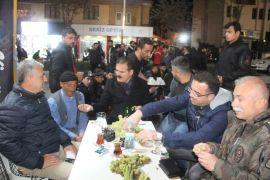 Vali Akbıyık ramazan gecelerine katıldı