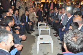 Vali Akbıyık vatandaşlarla bir araya geldi