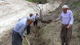 Ceylanlı köyü sakinleri sulama kanalının onarılmasını istiyor