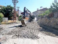 Hakkari Belediyesinde yol asfaltlama çalışması