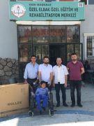Hakkari'den Başkale'ye tekerlekli sandalye desteği