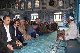 Bakan Soylu sınırda bayram namazı kıldı