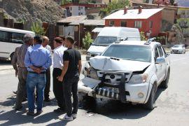 Hakkari'de trafik kazası: 1 kişi yaralandı