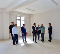 Kaymakam Öztürk, yeni yapılan lise binasını inceledi