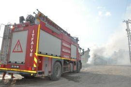 Yüksekova'da dumanlar içinde kalan mikser korkuya neden oldu