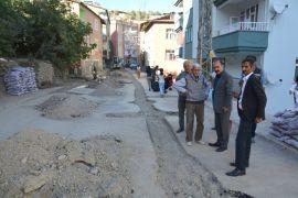 Hakkari Belediyesinden yol onarım çalışması