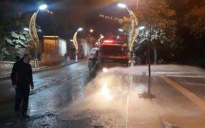 Hakkari Belediyesinden yol yıkama çalışması