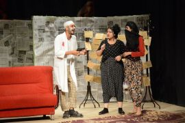 'Rumuz Goncagül' oyunu Yüksekova'da sahnelendi