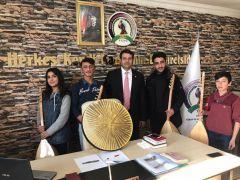 Başkan Çoğaç'tan öğrencilere saz ve erbane