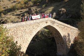 Öğrenciler Nehri köyünü gezdi