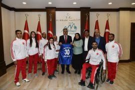 Sümbülspor Kulübünden Vali Akbıyık'a ziyaret