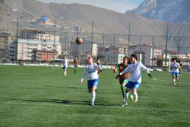 Kadınlar 1. Lig: Hakkarigücü: 4 – Amedspor: 3