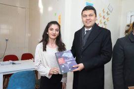 Kaymakam Öztürk'ten köylerdeki kitap kafelere ziyaret