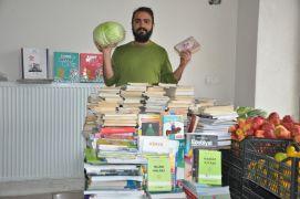 Manavcı genç kampanyayla 600 kitap topladı