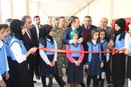 Şemdinli'de 'Görsel Sanatlar Atölyesi' açıldı