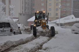 Yüksekova'da kar çalışması