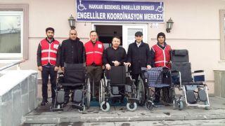 Bedensel engellilerden depremzedelere dost eli