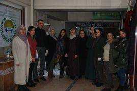 Yüksekova'daki kursiyerlere kumaş desteği