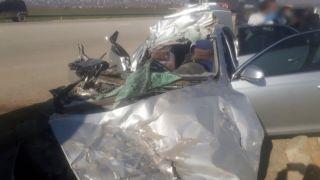 Otomobille tır çarpıştı: 1 ölü, 1 yaralı