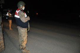 Yüksekova'da bir çocukta korona çıkınca Suüstü köyü giriş çıkışlara kapatıldı