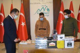 Vali Akbıyık'tan Teknofest'e katılan Tatlı'ya malzeme desteği