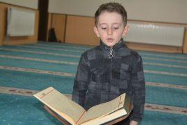 4 yaşında Kur'an-ı Kerim'i hatim etti