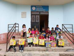 Hakkari'deki öğrencilere kırtasiye malzemesi desteği