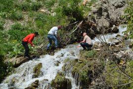 Çiftçiler 40 yıl sonra sulama suyuna kavuşarak çifte bayram yaşadı