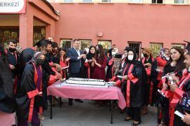 Hakkari'de mezuniyet sevinci