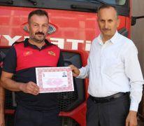 Bin 900 kilometre uzaklıktaki yangına giden itfaiye ekibine başarı belgesi
