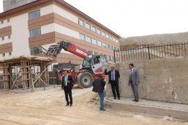 Hakkari'deki okul inşaatları hızla tamamlanıyor